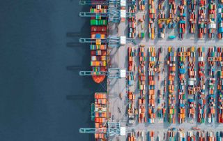 Incoterms Container schepen in de haven